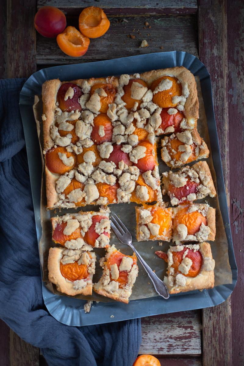 Aprikosen Butterstreuselkuchen