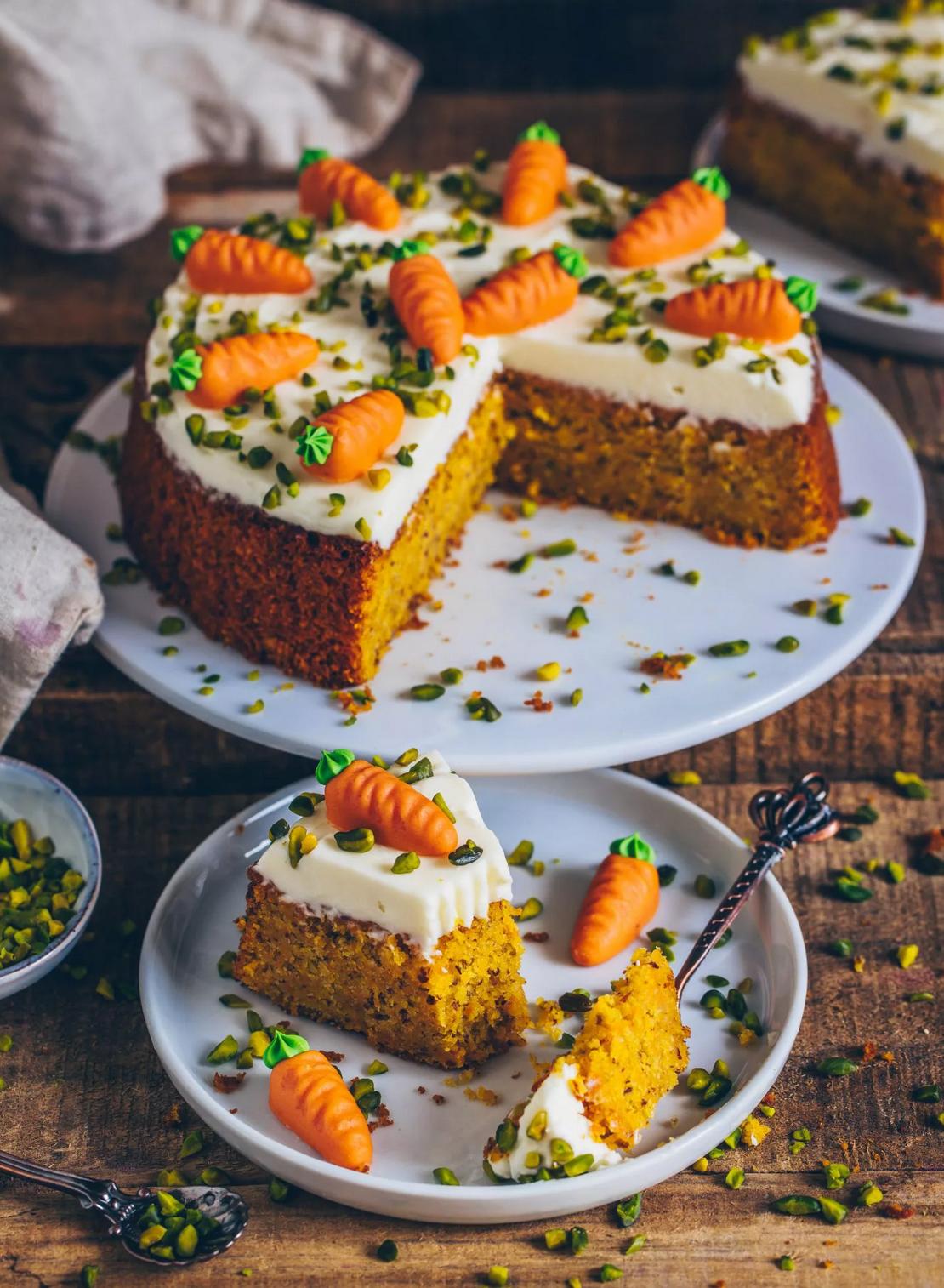 10 Carrot Cake Lieblingsrezepte & die besten Carrot Cake Waffeln!