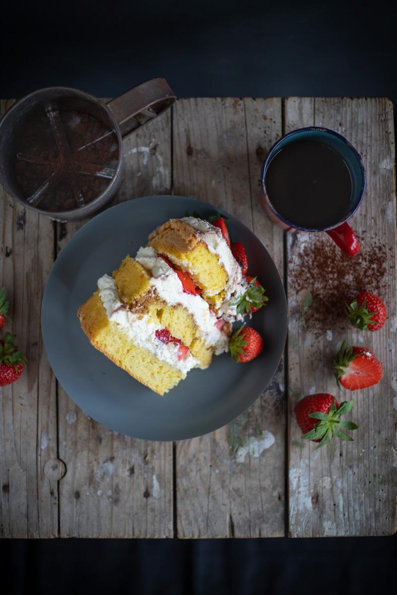 Sommerliche Erdbeer Tiramisu Torte